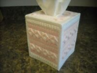TISSUE BOX COVER - DELICATE PINK & WHITE - Plastic Canvas