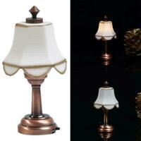 1:12 Puppenhaus Miniatur LED Lampe Schreibtischlampe mit Lampenschirm Bronz R2G8