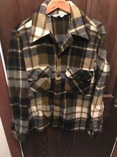 vtg WOOLRICH GREEN BLACK GRAY PLAID thick wool men's BARN JACKET coat 38