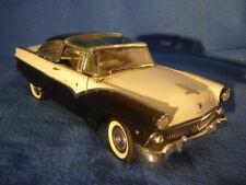 Danbury Mint 1955 Ford Fairlane Crown Victoria 1:24 Diecast Car