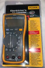 Fluke 117 Electricians True RMS Multimeter with leads & manual