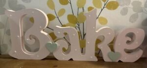 Freestanding Wooden Bake Sign Hand Painted Letters Birthday Kitchen Decor 12cm