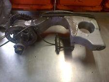 TRIUMPH 955i Daytona sola cara Swingarm del brazo del oscilación Streetfighter Proyecto Cafe