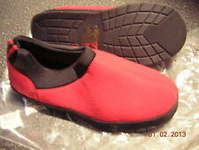 NIB New Men's Red Slippers House shoes - Size 9 10 (XL) - indoor outdoor sole
