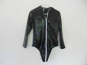 Bodysuit im Latex Look
