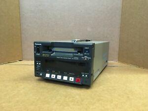 Panasonic AJ-D220 DVCPRO Digital Video Cassette Recorder VCR DV-PRO Mini-DV tap