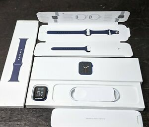 Apple Watch Series 6 40mm Blue Aluminum Deep Navy Band MG143LL/A