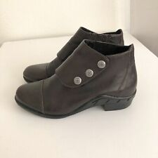 💲MAKE OFFER💲Sz 6M Ariat Spat Chocolate Brown Leather Ankle Boot Triple Snap
