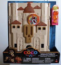 Disney PIXAR Skullectables Hacienda Playset and 2 Coco Skullectables Mini-Figure