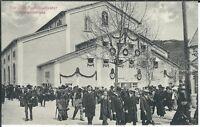 Ansichtskarte Vor dem Passionstheater in Oberammergau mit Besuchern - s/w
