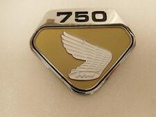 Honda CB 750 Four K0 Emblem für Seitendeckel rechts ( suny gold metallic )