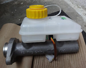 Maître-cylindre Assly Booster Pour Mahindra CJ340, CJ550, MM550, Marshal Armada