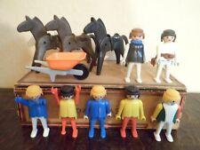 Lot de 11 Playmobil GEOBRA 1974 - (7 hommes + 3 Chevaux & 1 Brouette)