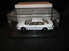 Welly 1/27 White 2000-2005 Chevrolet Impala Police w/display case