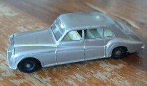 Lesney Silver Rolls Royce Phantom V No. 44 Car Black Metal Base & Black Wheels