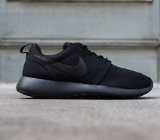 MENS NIKE ROSHE RUN ONE ROSHERUN TRIPLE BLACK ALL BLACKOUT 511881-026 SIZE 8.5