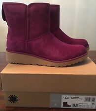UGG KRISTIN LONELY HEARTS SUEDE / SHEEPSKIN SLIM WOMENS BOOTS SIZE US 9.5/UK 8