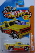 2013 Hot Wheels Hw Stunt Fig Rig 80/250 (Yellow Version)
