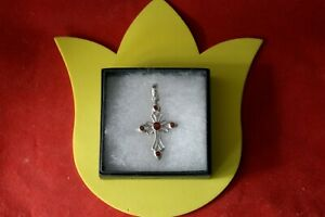 Beautiful Silver Cross With 5 Faceted Garnet 5.3 Gr. 5 x 3 Cm. Wide In Gift Box