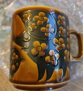 Vintage Hornsea Pig Coffee Mug England John Clappison Brown Excellent Condition