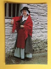 THE WELSH COSTUME OF A COUNTRYWOMAN 18th CENTURY RADNORSHIRE POSTCARD