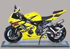 MOTO, SUZUKI GSXR -600-04 jaune, EN HORLOGE MINIATURE