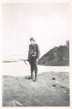 Deutscher Soldat mit Handgranaten Kvaenangen Norwegen