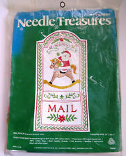 Christmas Card Mail Holder Craft Kit - Embroidery Needle Treasures Kit 00829 Nos
