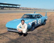 8x10  of Richard Petty Plymouth Superbird Daytona in 1970 - Free Shipping
