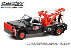 1:64 1970 Chevrolet C-30 Dually Wrecker - Texaco 24 Hour Road Service  46070 B