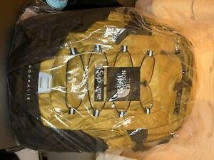 Supreme The North Face Metallic Borealis Backpack Gold Brand New