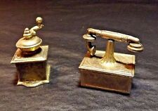 2 DIFFERENT DOLL HOUSE SIZED METAL HOUSEHOLD MISC  ITEMS FOR DECORATION