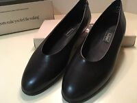 Rockport Black Leather Flat Jane 10M W4878 UPC 715389739006 + Box Exc. Pre-owned