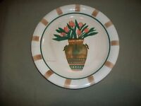 """Collectible Vintage UNBRANDED Floral 10 1/2"""" Plate"""