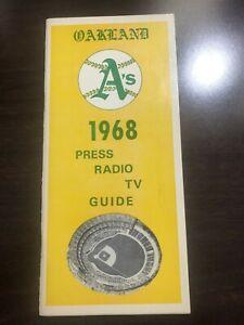 1968 OAKLAND Athletics A's Media Guide 1st Season Catfish HUNTER Reggie JACKSON