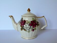 English SADLER Red / White Roses Teapot