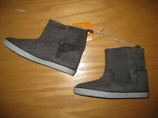 NWT Gymboree Holiday Shop size 12 Gray Sherpa Lined Boots Shoes
