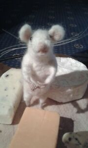 Needle felting kit white mouse British Wool UNBOXED WULYDERMY