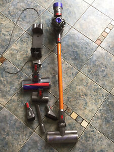 dyson v8 absolute cordless vacuum cleaner with accessories