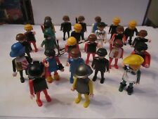 (25) 1974 GEOBRA SOLDIERS & FIGURESS - VINTAGE AND COLLECTIBLE - TUB BN-18
