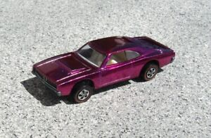 HOT WHEELS RED LINE CUSTOM CHARGER US MAGENTA