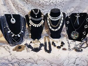 23 Piece Modern and Vintage B&W Mixed Necklace Lot - Trifari, Carolee