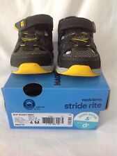 Stride Rite Made2Play Scout Sandal Boys shoes 4 Medium Grey
