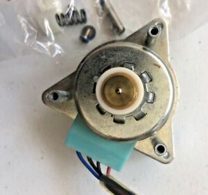 THORENS TD160 MOTOR WITH PULLEY AND MOUNTING HARDWARE