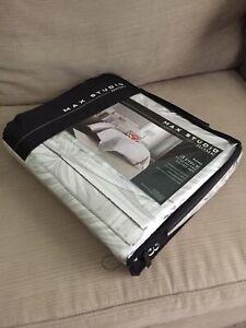 Max Studio Home 3 piece full/queen Duvet set 100% percale cotton
