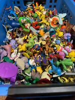 Mystery Figure Pouch 5 Random Early 2000s Pokemon Figures! Over 200