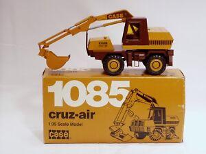 Case 1085B Excavator - 1/35 - SN# 281 - Conrad #2962 - MIB