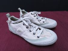 A9 CAT CATERPILLAR LIGHT GREEN CANVAS SHOES SIZE US 8 AS NEW