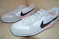 New Womens Nike Genicco Running Shoes 644451-101 Sz 10