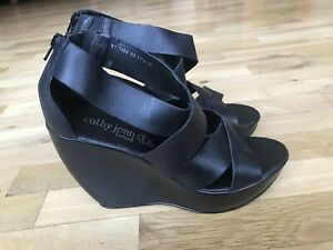 Cathy Jean Brazil Women's Black Leather Strappy Wedge Shoes Size: 10